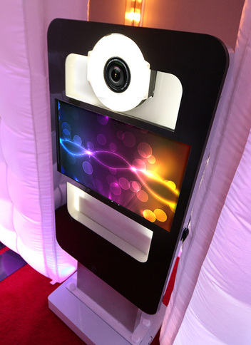 LED Cube Photo Booth